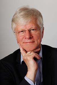 Wilfried Müller besucht die Universität Bielefeld, um darüber zu diskutieren, wie man die Studiensituation weiter verbessern kann. Foto: Wilfried Müller