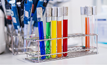 farbige Reagenzgläser