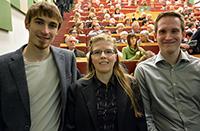 Ausgezeichnete Absolventen (v.l.): Christian Bartz (Biochemie), Lea Schröder und Florian Venghaus (v.l.). Foto: Universität Bielefeld