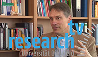"While the receiving countries often benefit, the regions where migrants originate have to deal with the consequences of both a brain drain and a ""brawn drain"" – depleted muscle power and depleted brain power."" Research_tv's interview with migration researcher Professor Dr. Thomas Faist explains why.  Photograph: Bielefeld University"