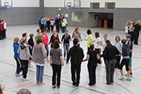Neue Ideen für den Sportunterricht: Am 33. Tag des Schulsports kommen Lehrerinnen und Leh-rer aus der Region zusammen.  Foto: Universität Bielefeld