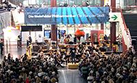 Die Unihalle wird zum Konzertsaal: Konzert des Philharmonischen Orchesters im Jahr 2015. Foto: Universität Bielefeld