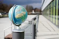 Die Wissenschaftsgemeinschaft ist global. In Bielefeld bekommen gefährdete Forschende eine Perspektive. Foto. Universität Bielefeld