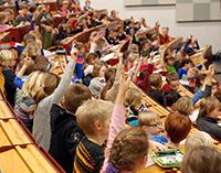 An drei Freitagen im März gibt es im Jahr 2017 die Kinder-Uni in der Universität Bielefeld.Foto: Universität Bielefeld