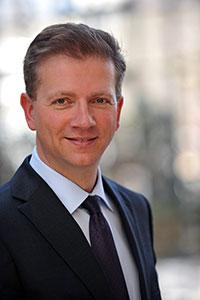 Prof. Dr. Wolfgang Greiner von der Universität Bielefeld leitet die wissenschaftliche Analyse der drei Gesundheitsprojekte. Foto: Universität Bielefeld