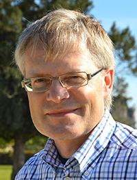 """Über die """"Genschere"""" CRISPR berichtet der Molekularbiologe Prof. Dr. Bernd Müller-Röber am Zentrum für interdisziplinäre Forschung der Universität Bielefeld. Foto: Universität Potsdam"""