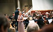 """Das Universitätsorchester unter der Leitung von Dr. Michael Hoyer führt die Oper """"La Traviata"""" im Audimax auf."""