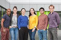 Die sechs neuen Doktorandinnen und Doktoranden, die von der BGHS gefördert werden (von links): Sisay MegersaDirirsa, Theresa Renana Faye Hornischer, Aanor Roland, Ina Kiel, Mehran HajiMohammadian, Edvaldo de Aguiar Portela Moita.