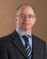 Er hat durch Computerberechnungen dazu beigetragen, auszumachen, wo das Widerstandsgen im Erbgut gesunder Zuckerrüben liegt:  Prof. Dr. Bernd Weisshaar vom Centrum für Biotechno-logie (CeBiTec) der Universität Bielefeld.