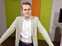 Moderator Julian Fischer präsentiert die 116. Ausgabe von Campus TVFoto: V. Maiwald/Campus TV