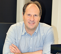 The physicist Prof. Dr. Thomas Huser is coordinating the 'DeLIVER' programme. Photo: Bielefeld University
