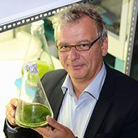Prof. Dr. Olaf Kruse organisiert die CeBiTec-Konferenz zu Algen-Biotechnologie. Er forscht seit mehr als 20 Jahren zu dem Thema. Foto: Universität Bielefeld