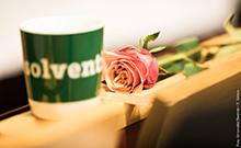 Rose und Tasse