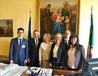 Die Bielefelder Delegation mit Rektorreferent Daniele Resta, Rektor Gerhard Sagerer, Laura Garavini, Prorektorin Angelika Epple, Vito Geronda und Flavia Piccoli Nardelli (v.l.).