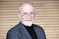 Prof. (i.R.) Dr. med. Cornelius FrömmelFoto: Universität Bielefeld