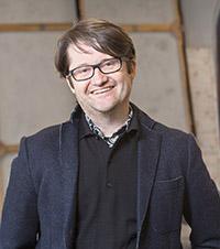 Gregor Zöllig, ehemaliger Leiter des Tanztheaters Bielefeld, hält einen Vortrag im ZiF. Foto: Universität Bielefeld, P. Ottendörfer
