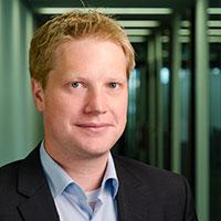 Dr.-Ing. Sebastian Wrede entwi-ckelt mit seinem Team Konzepte für flexible Assistenzsysteme. Foto: Universität Bielefeld