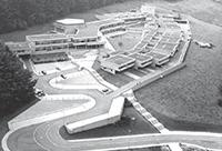 Das Zentrum für interdiszplinäre Forschung (ZiF) im Jahr 1975 aus der Luftperspektive. Foto: ZiF / G. Rudolf
