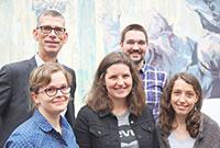 Das RefuDat-Projektteam (v. l.): Prof. Dr. Oliver Razum, Maria Dyck, Lisa Wandschneider, Florian Fi-scher und Judith Wenner. Foto: Universität Bielefeld