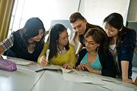 Studierende aus Turin vertiefen an der Universität und in den Gastfamilien ihre Sprachkenntnisse