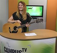 Moderatorin Ann-Sophie Rudolph ist auch kreativ!Foto: J. Groll/ Campus TV