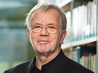 Professor Dr. Wolfgang Prinz wird mit der Ehrendoktorwürde der Fakultät für Psychologie und Sportwissenschaft ausgezeichnet. Foto: Max-Planck-Institut CBS /Nikolaus Brade