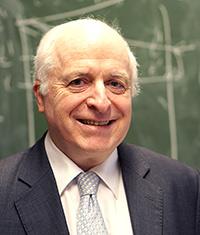Prof. Dr. Friedrich GötzeFoto: Universität Bielefeld