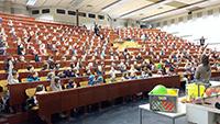 Studieren wie die Großen – 800 Kinder können an den Vorlesungen teilnehmen. Foto: Universität Bielefeld