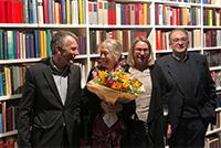 Rektor Prof. Dr.-Ing. Gerhard Sagerer, Renate Wehler, Prof.'in Dr. Antje Flüchter  und Dr. Vito Gironda bei der Eröffnung des Arbeitszimmers.