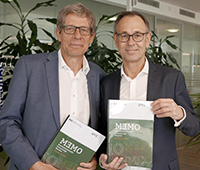 Dr. Andreas Eberhardt und Prof. Dr. Andreas Zick stellten in Berlin die neue Studie vor. Foto: evz