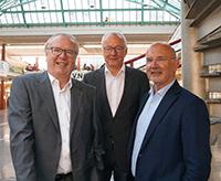 Dr. Rainer Wend, Jürgen Heinrich und Herbert Vogel (v.l.).Foto: Universitätsgesellschaft Bielefeld