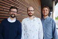 """How are Social Bots influencing political debates, and how can they be detected? Together with project partners, Bielefeld University's Prof. Dr. Philipp Cimiano, Dr. Ole Pütz and Privatdozent Dr. Florian Muhle are working on these issues in the """"Unbiased Bots that Build Bridges"""" research project. Photo: CITEC/Bielefeld University"""