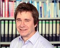 Honorarprof. Dr. Klaus Wingenfeld, Foto: Universität Bielefeld
