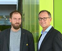 Dr. Jonas Rees (li.) und Prof. Dr. Andreas Zick (re.) vom Institut für interdisziplinäre Konflikt- und Gewaltforschung sind zwei Autoren der neuen Studie. Foto: Universität Bielefeld