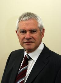 Professor Dr. Alfred Pühler