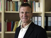 Professor Dr. Klaus Cachay