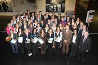 Absolventinnen und Absolventen der Fakultät für Wirtschaftswissenschaften Foto: Mike-Dennis Müller/ Westfalen-Blatt