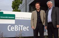 Prof. Dr. Thomas Noll (links) übernimmt das Amt von Prof. Dr. Alfred Pühler