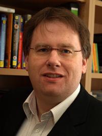 Dr. Axel Schneider