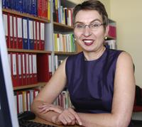 In Faktenblättern stellen Professorin Dr. Petra Kolip (Foto) von der Universität Bielefeld und ihr Team jetzt neue Forschungsergebnisse zum Gesundheitsverhalten von Schulkindern vor.