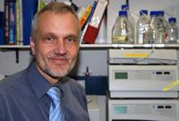 Der Bielefelder Professor Dr. Karl-Josef Dietz pflegt enge Kontakte zur französischen Universität in Nancy.