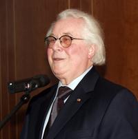 Geschäftsführer Professor Helmut Steiner