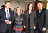 Minister Günter Baaske, Ausschussvorsitzende Birgit Wöllert, Professorin Dr. Katharina Gröning und Rektor Gerhard Sagerer (v.l.)