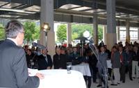 350 Gäste konnte Rektor Prof. Dr. Gerhard Sager beim Baufest.