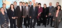 Gemeinsame Sitzung: Rektorat der Universität Bielefeld und Präsidium der Universität Paderborn: Rektor Prof. Dr. Gerhard Sagerer (7.v.l.) und  Präsident Prof. Dr. Nikolaus Risch (5.v.l.).