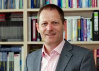 Professor Dr. Reinhold Decker.