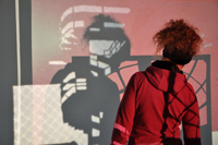 Bild oder Schatten? Eine Ausstellung in der Universitätsbibliothek Bielefeld verbindet beides.Foto: Lena Steidle-Emden