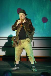 """Bei der """"Zauberflöte""""-Aufführung an der Universität Bielefeld wird Papageno von Volker Perret gespielt – der eigentlich Anästhesist am Krankenhaus in Lemgo ist."""