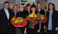Vergabe des AOK-Preises (v.l.) Ralf E. Ulrich, Dietrich Plaß (in Vertretung für Rubeena Zakar), Nadine Kosfeld, Anna-Lena Steffen, Jasmin Weisenbacher, Svenja Kockert und Anja Schmidtpott.