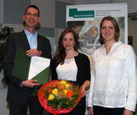 Else Kröner-Award (v.l.): Oliver Razum, Johanna Brinkel und Maren Bredehorst von der Arbeitsgruppe Epidemiologie und International Public Health.
